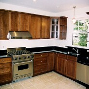 Art & Craft Kitchen with Shaker Cabinet Doors